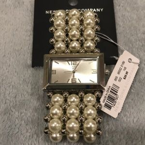 White and silver fauxpearl stretch watch bracelet